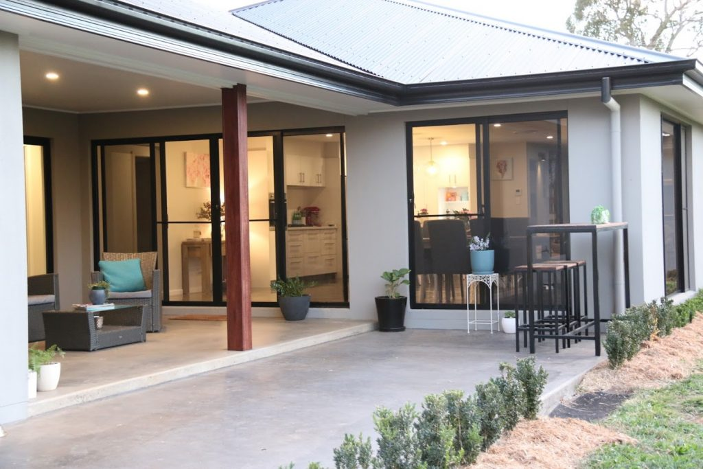 Alfresco dining set for some great entertaining with it's easy access from the kitchen.  The open living and alfresco overlooks garden in this acerage property.